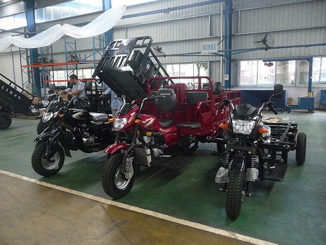 摩托三轮车 (1)